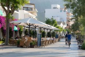 port-pollensa-paseo-maritimo-early-morning-shot